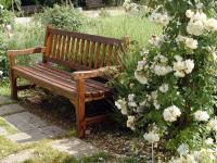 Садовые скамейки — Красивые разновидности для вашего удобства (80 фото)