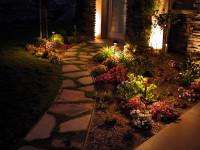 Фонарики для сада — главные помощники для создания сказочной атмосферы (97 фото + видео)