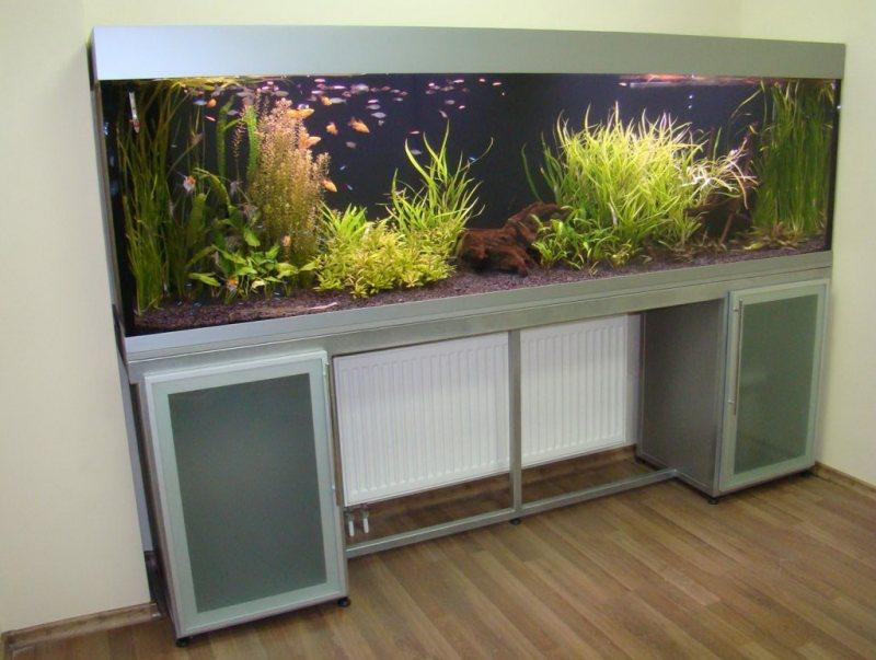 Akvariumyi v interere 25