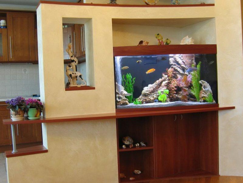 Akvariumyi v interere 26
