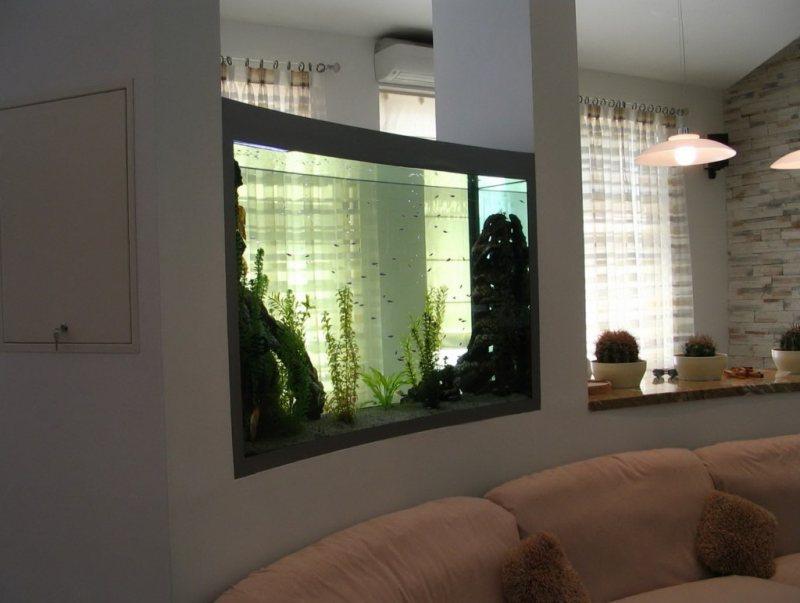 Akvariumyi v interere 27