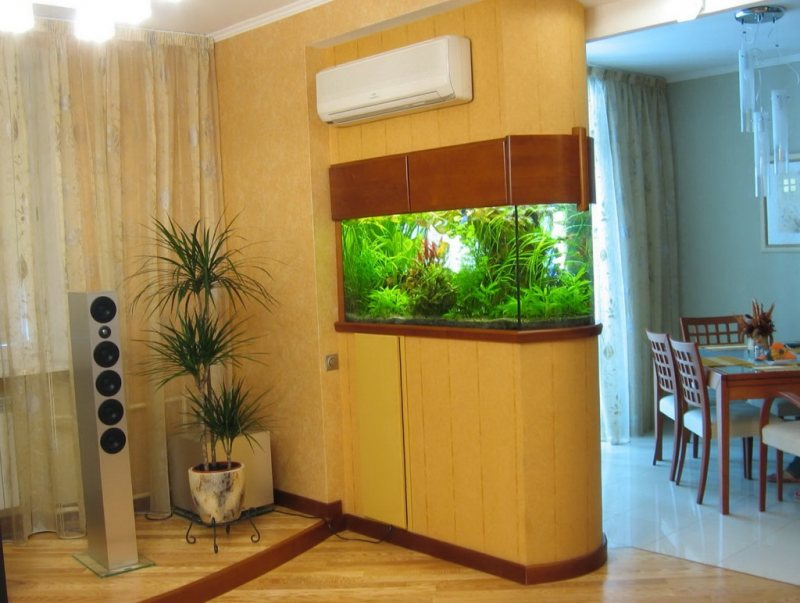 Akvariumyi v interere 28