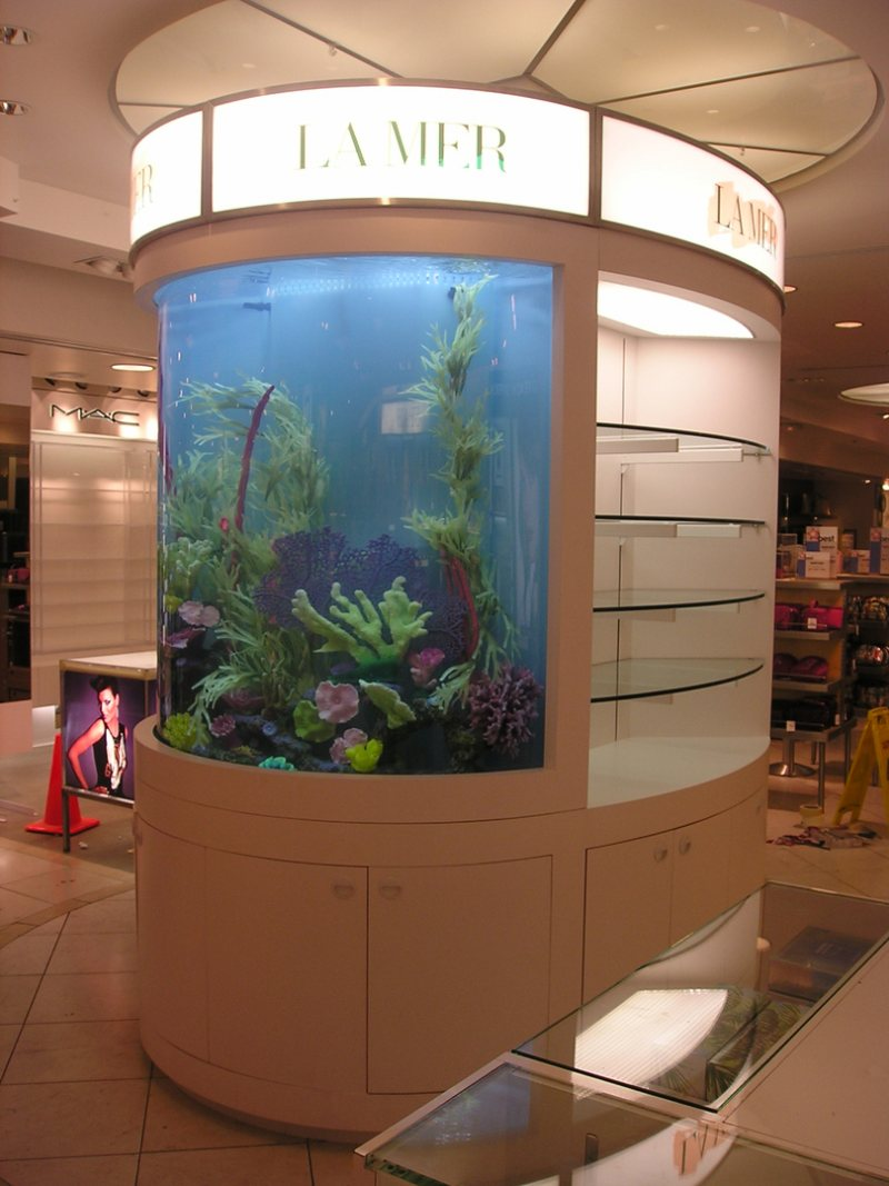 Akvariumyi v interere 35