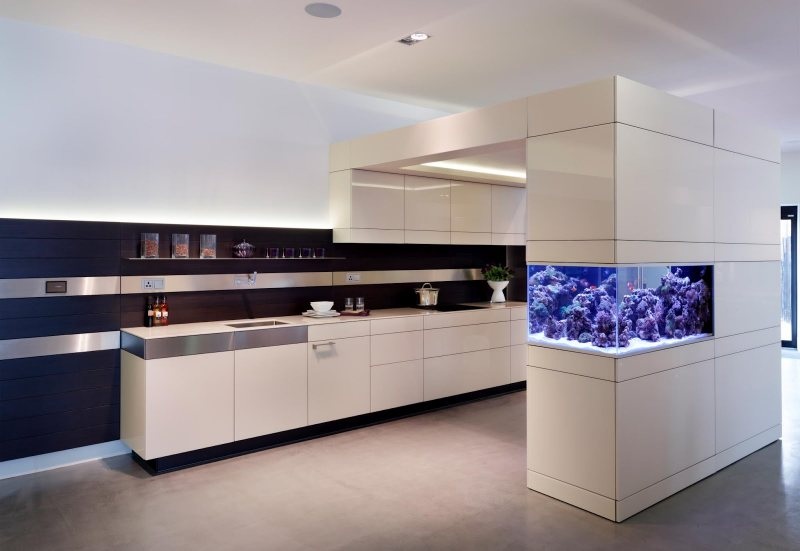 Akvariumyi v interere 37
