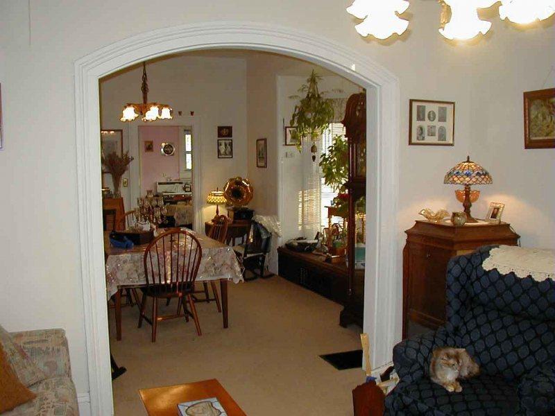 Dining room arch
