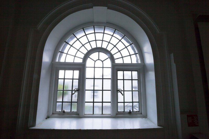 Arochnyie okna 99