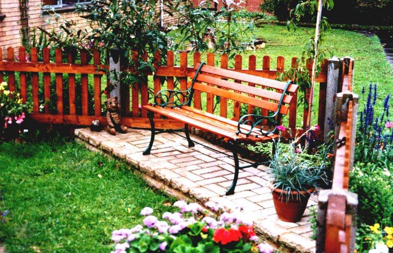 Garden benches 106