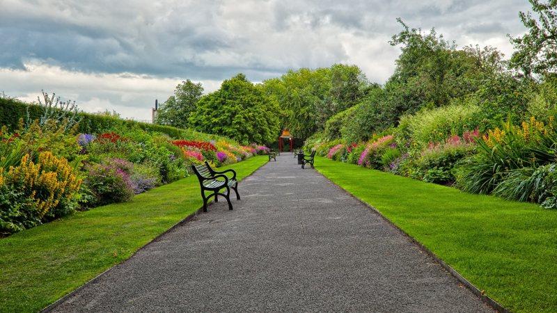 Garden benches 63