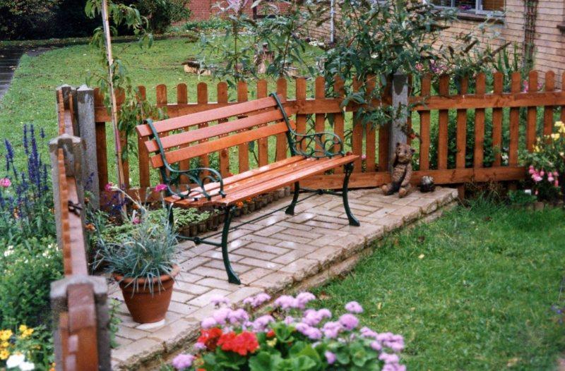 Garden benches 64