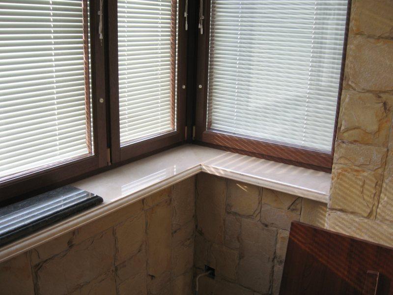 Как поставить окна на балкон своими руками