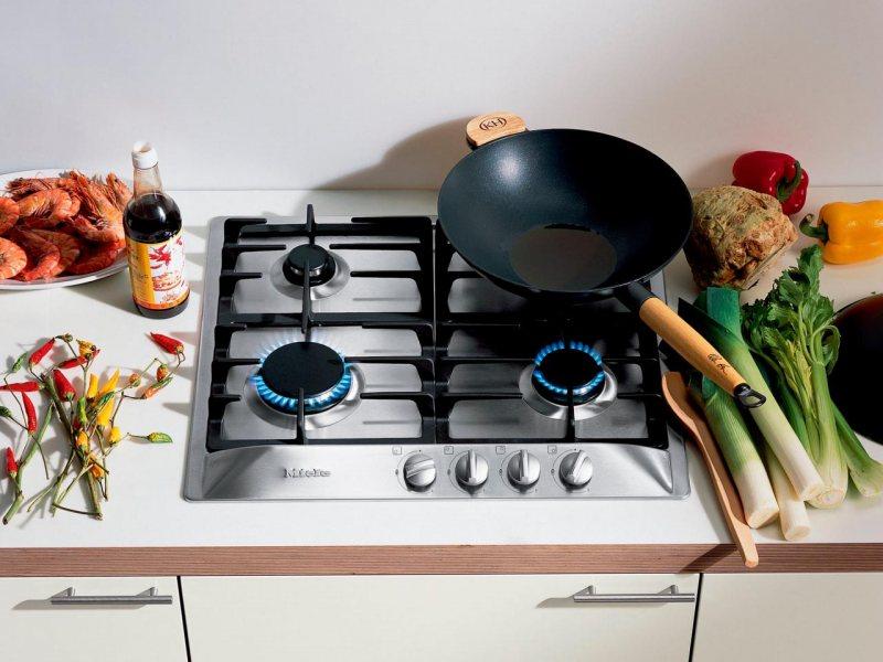 Варочная поверхность в интерьере кухни фото