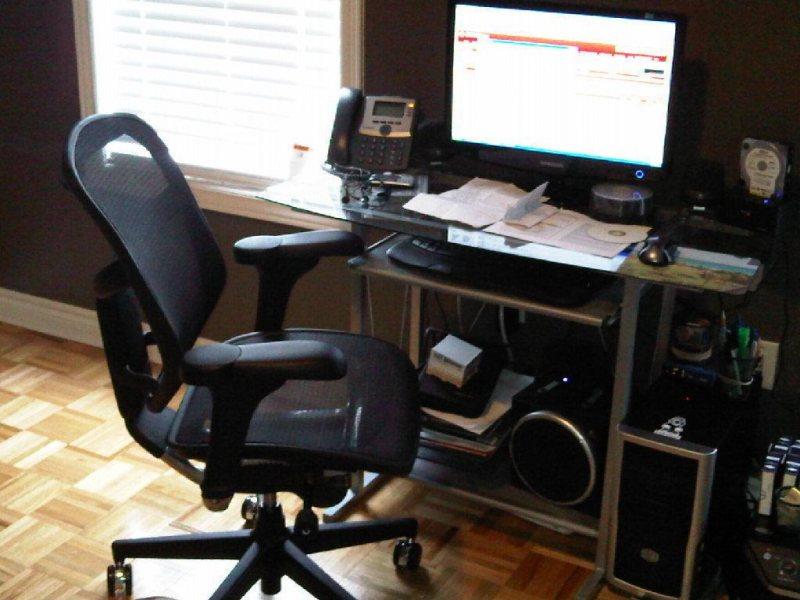 Kompyuternoe kreslo v interere 40