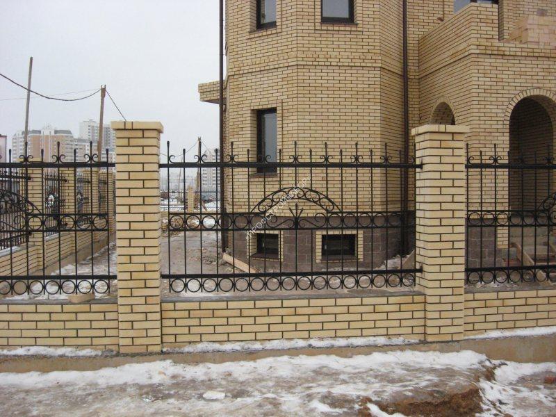 Kovanyiy zabor dlya doma 72