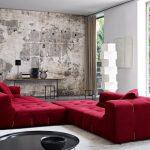 Krasnyiy divan v interere 27