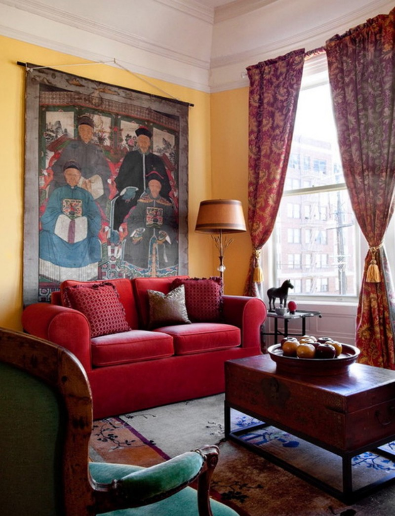 Krasnyiy divan v interere 7
