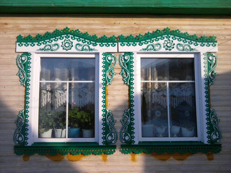 Как сделать узорчатым наличник окна