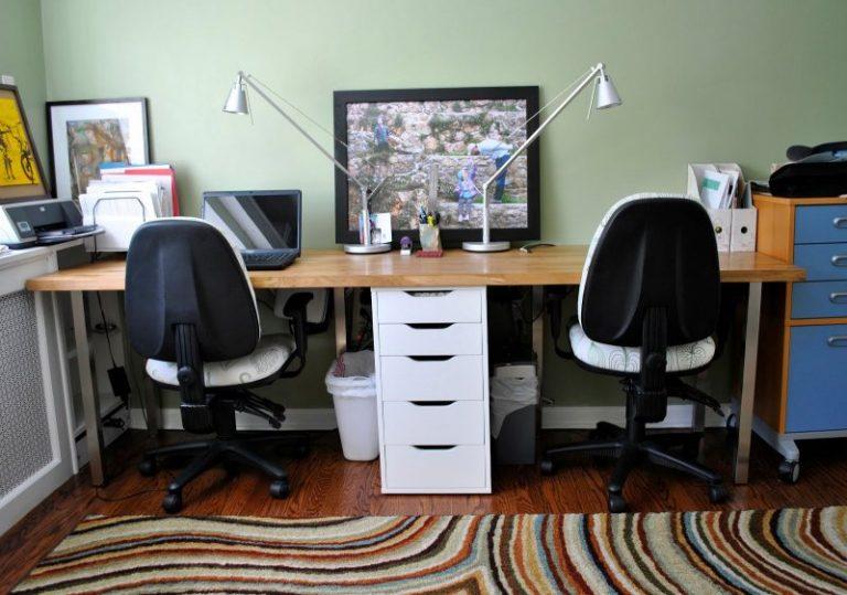 Стол для компьютера в интерьере