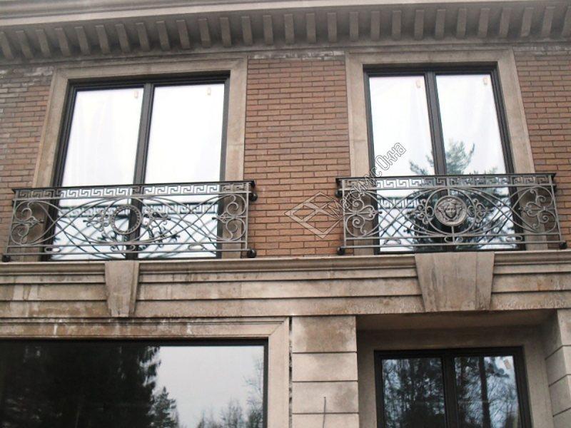 Ustanavlivaem balkonnyie ramyi 1 1