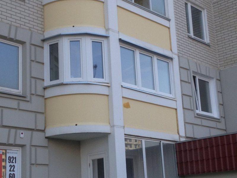 Ustanavlivaem balkonnyie ramyi 28