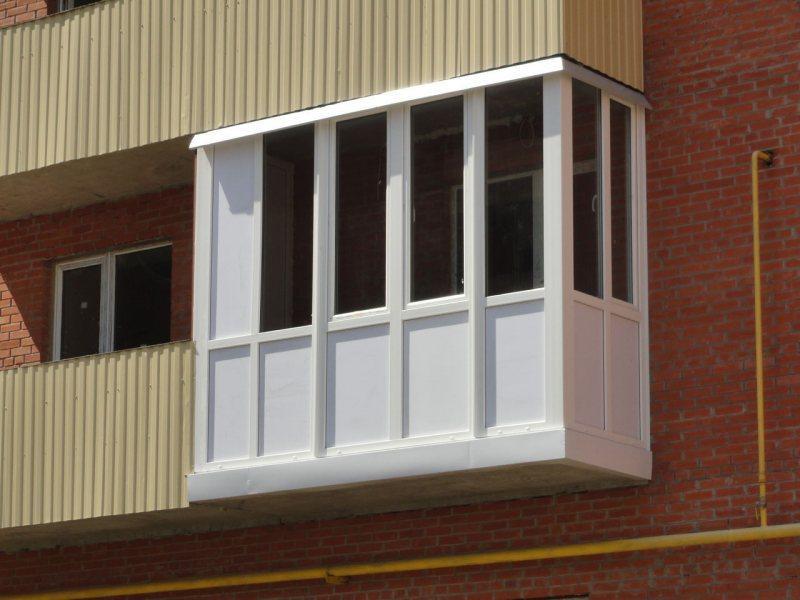 Ustanavlivaem balkonnyie ramyi 3 1