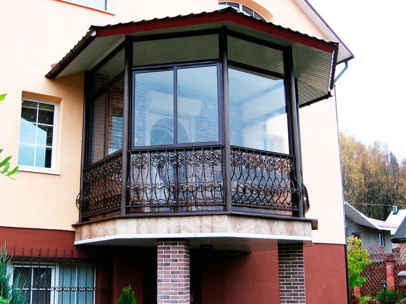 Ustanavlivaem balkonnyie ramyi 36