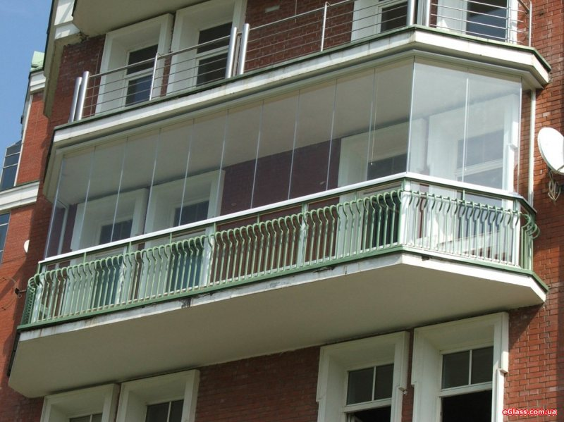 Ustanavlivaem balkonnyie ramyi 38