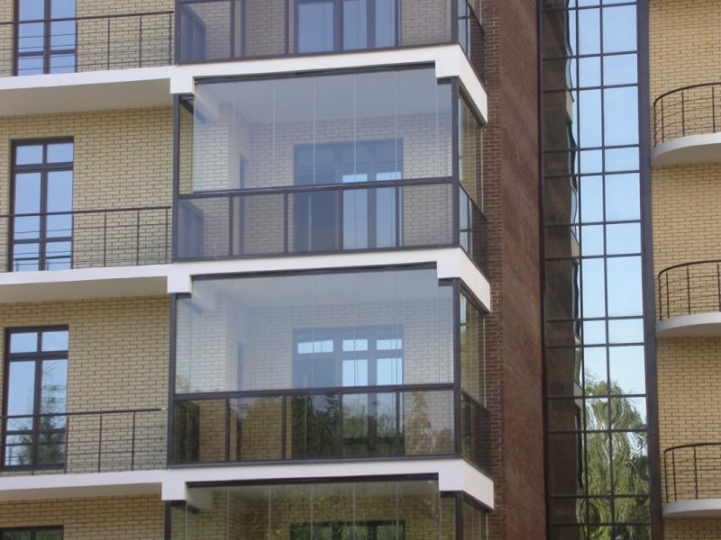 Ustanavlivaem balkonnyie ramyi 40