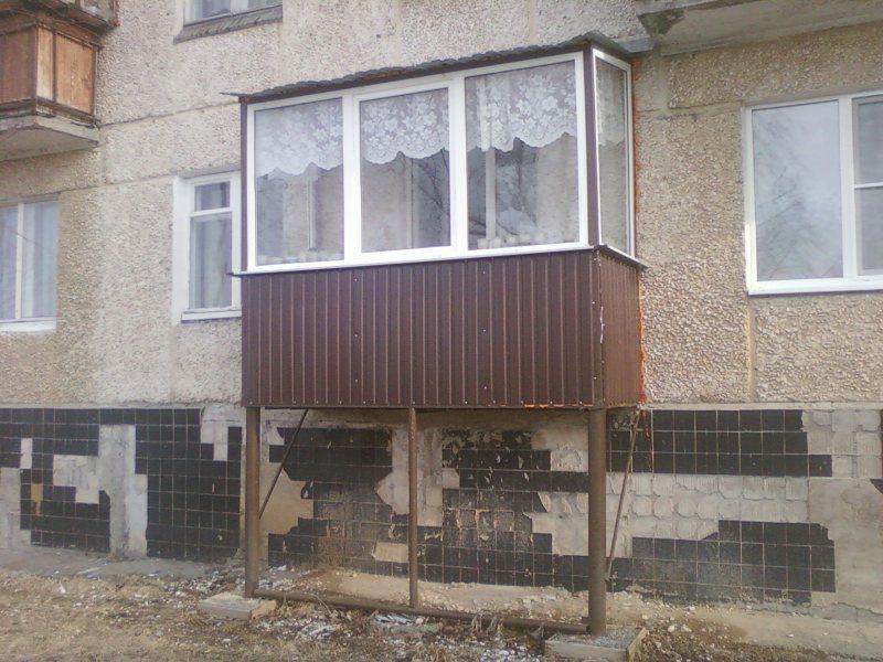 Ustanavlivaem balkonnyie ramyi 5 1