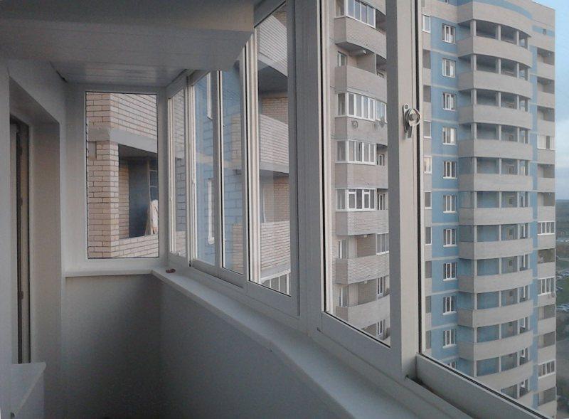 Ustanavlivaem balkonnyie ramyi 60