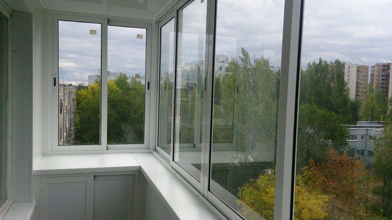 Ustanavlivaem balkonnyie ramyi 63