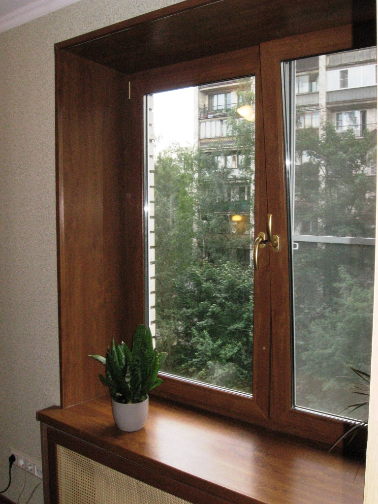 Ustanovka plastikovyih otkosov na okna 1