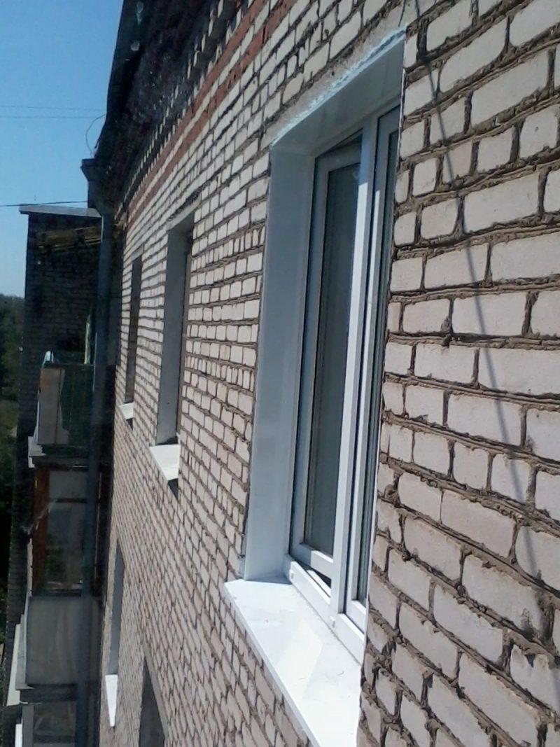 Ustanovka plastikovyih otkosov na okna 12