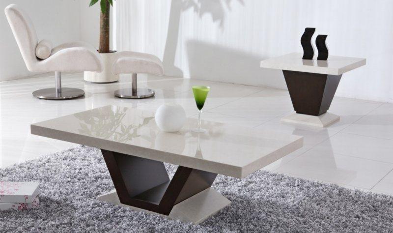 Белый журнальный столик в интерьере фото